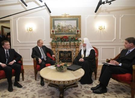 Путин считает, что патриарху Кириллу удается укреплять нравственное здоровье россиян